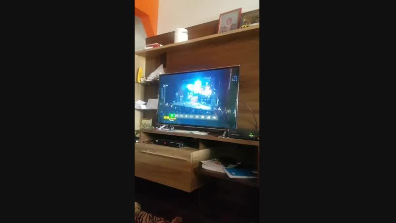 Meu irmão comprou um jogo pro Xbox dele e veio um dvd do Silvano sales eu tô urrando mano