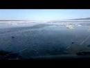 Якуты переправляются через реку Лена на УАЗ-Хантер, по воде.