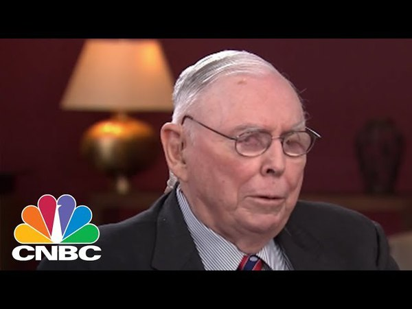 Charlie Munger Bitcoin Is Worthless Artificial Gold | CNBC
