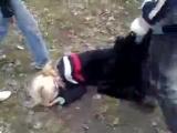 девчёнку жестоко избили одноклассники!!вот уроды))