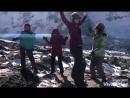 Самое время на фоне Эвереста при спуске на высоте 5600 потанцевать! Так отмечаются горы
