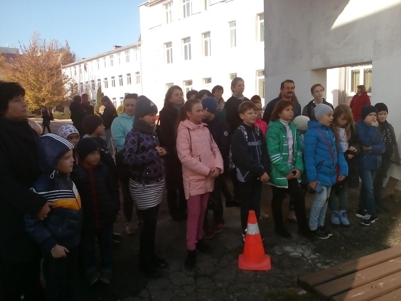 Спортивно-развлекательные каникулы проходят у школьников в Ленинском районе