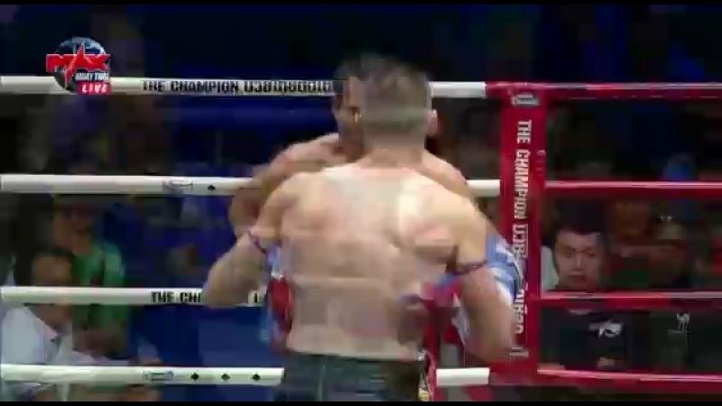Max Muay Thai (7.04.18) Elbow