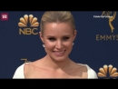 Video Kristen Bell is a vision in white at the 70th Emmy Awards