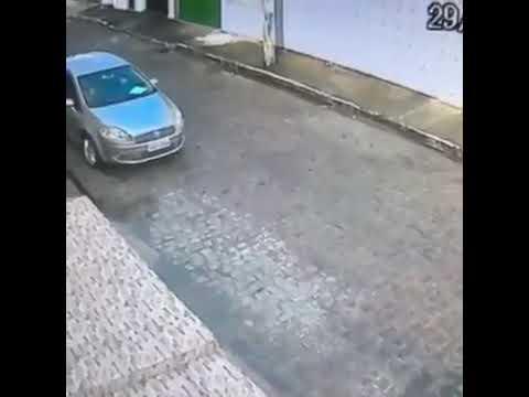 Policial reage assalto e mata bandido