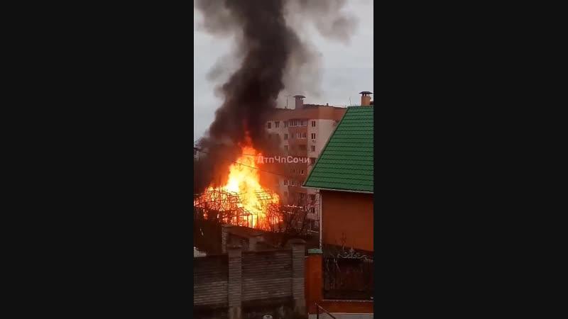 Сгорел жилой дом на Малом Ахуне