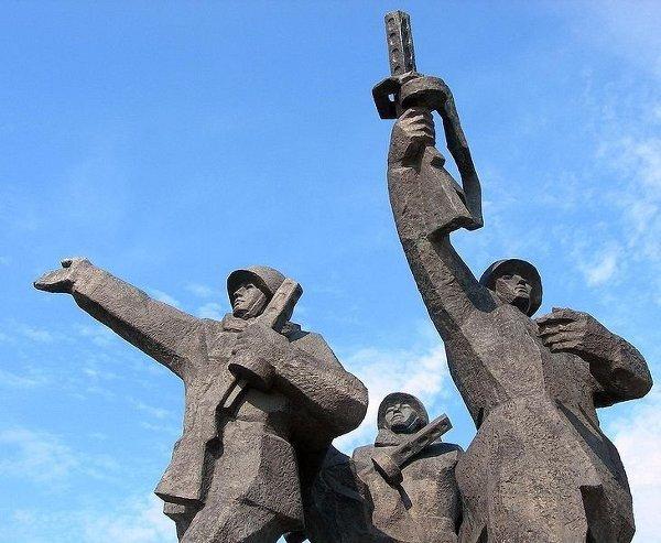 Памятники советскому воину-освободителю в Европе.