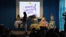 Виктория на конкурсе ''Краса школы 2019'' костюм из подручных материалов