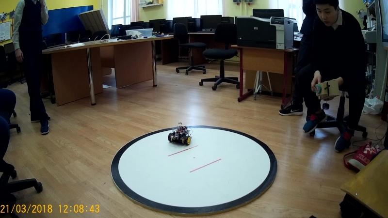 Роботы пошли косяком :), вангую - скоро соревнования!