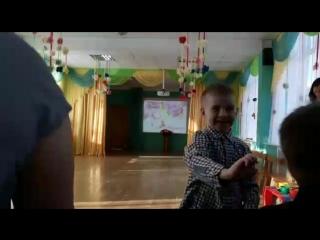 танец с мамой на 8 марта