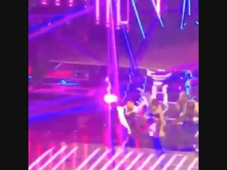 LOOK AT TAEHYUNG JOINING THE BACKGROUND DANCERS FOR SEESAW HE'S THE CUTEST