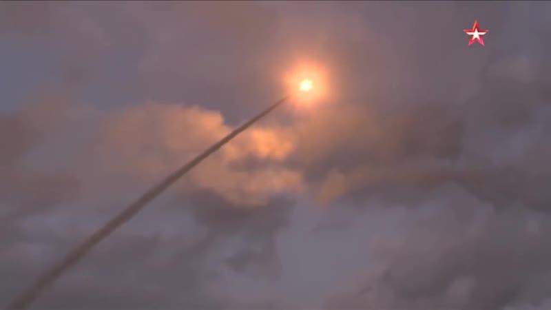 Смертоносный шлейф в небе - расчеты «Триумфов» уничтожили «самолеты-мишени» под Астраханью