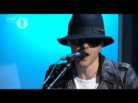 30 seconds to mars covers bad romance live (lady gaga) REUPLOAD