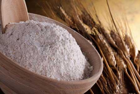 Те, у кого непереносимость глютена, должны избегать пшеничной муки и ряда других продуктов.