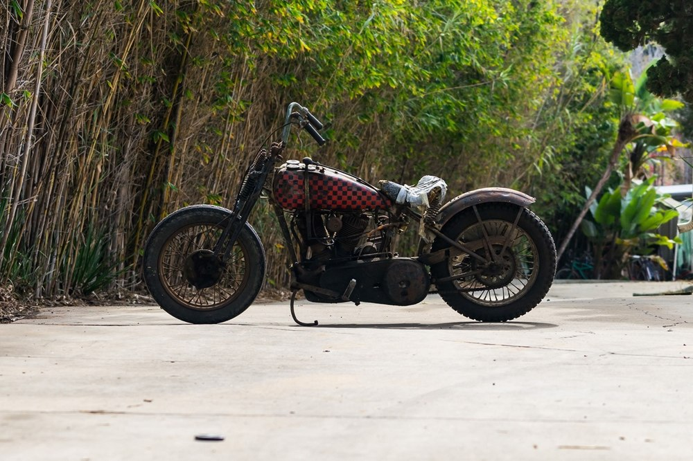 Старинный гоночный мотоцикл Big Bear Desert Racer: Harley-Davidson JDH Twin-Cam 1928