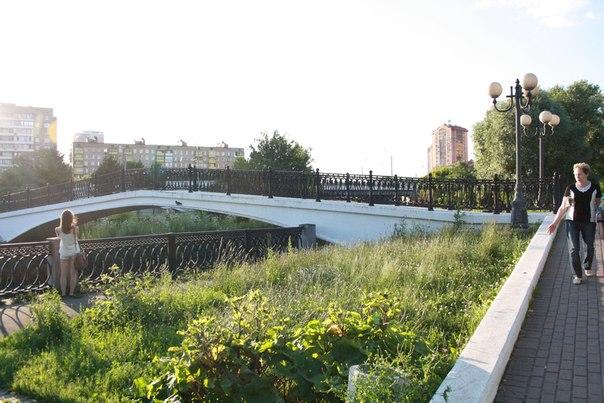 Обратная сторона моста.