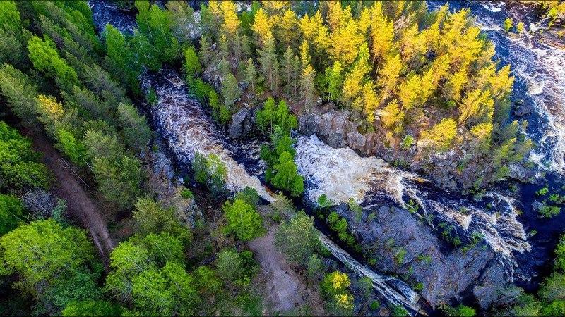 Водопад Поор-Порог на реке Суна проснулся.