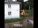Подрядчик во время благоустройства двора в Рославле разгромил соседнюю дорогу
