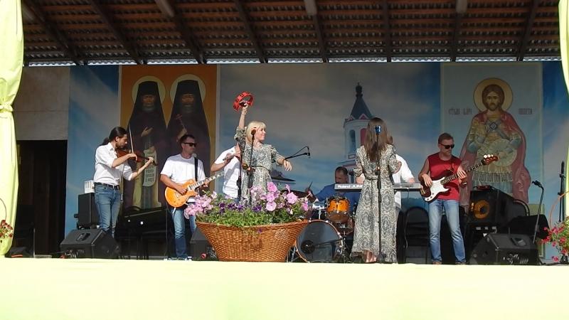 АРТ-фолк группа ЕжеВикА(Тамбов) на 13-м Кузнечном фестивале в Бывалино 15.07.2018. Старики.