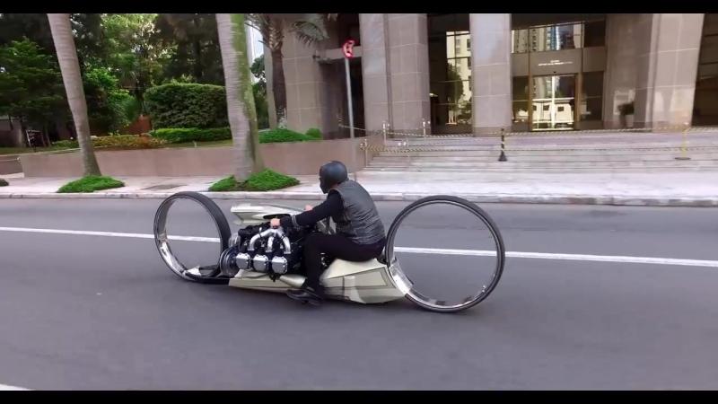 TMC Dumont na rua - A MOTO COM MOTOR DE AVIÃO.mp4