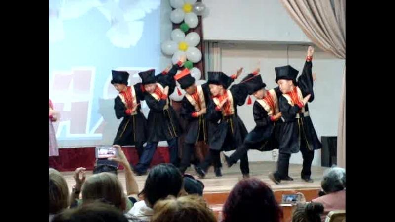Задорная Шарка Барка в исполнении средней группы школьного ансамбля АРАНЗАЛ