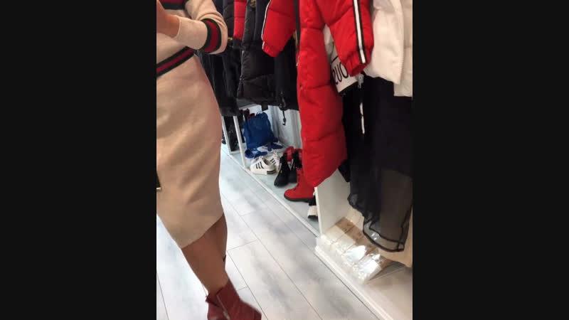 Дизайнерские платья с вышивкой..