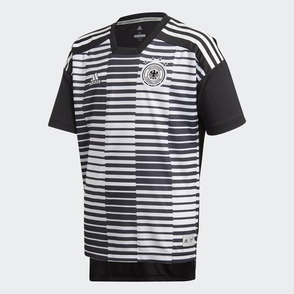 Предматчевая футболка сборной Германии