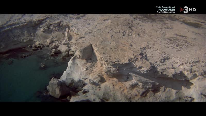 007 Nunca digas nunca jamás (1983) Never Say Never Again sexy escene 14