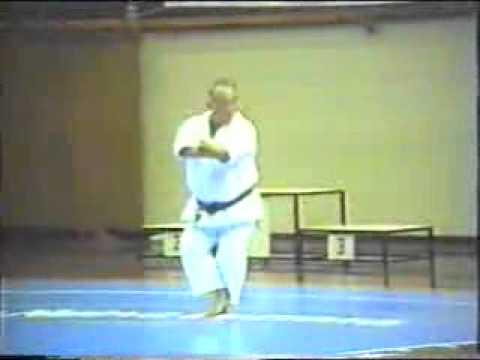 Taiji Kase - Tekki Sandan 1992