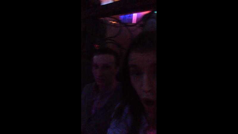 С мужем в баре б-12