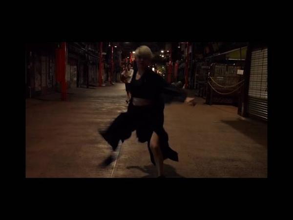 She dont know how to dance MIYAVI by Kurumi Shiina