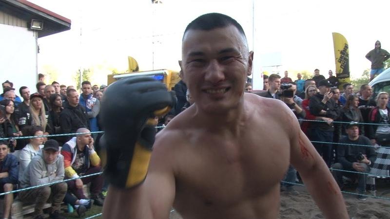 Bandido do Uzbequistão contra lutador sem regras