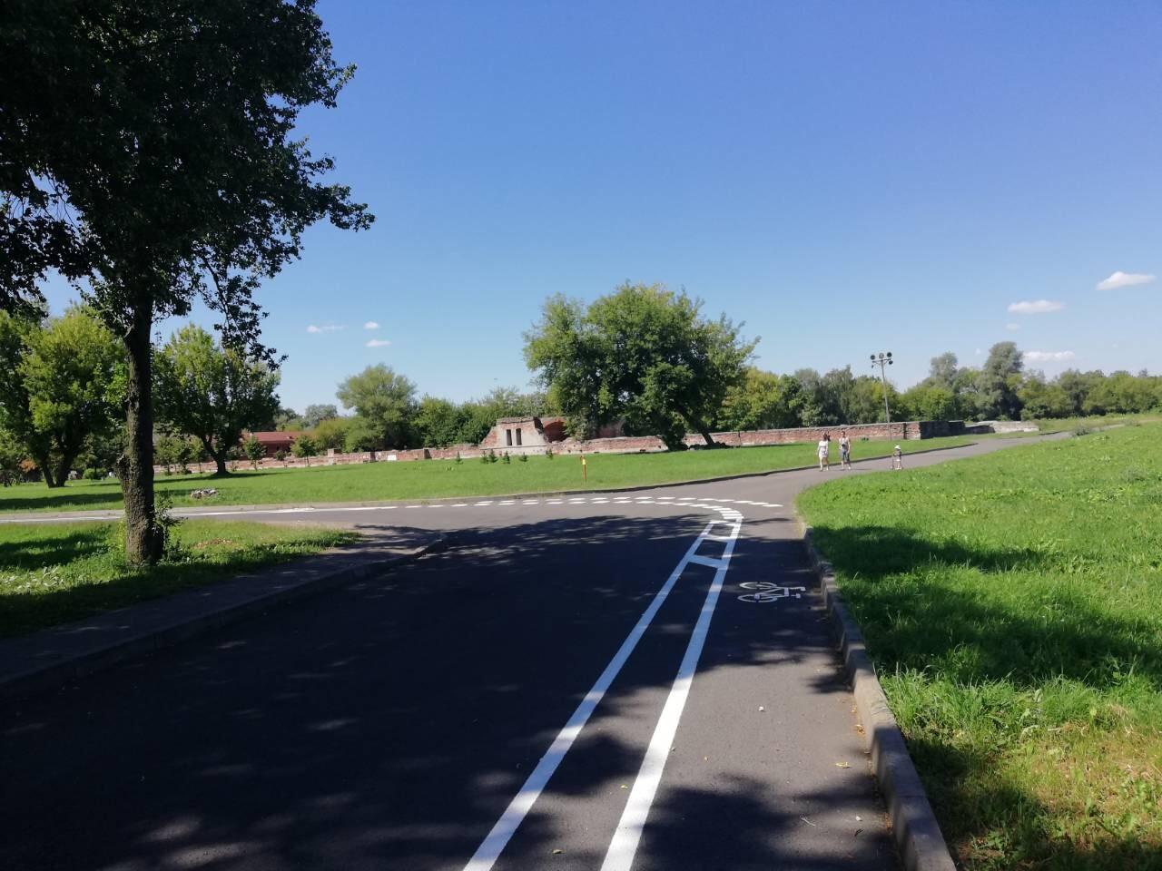 В Брестской крепости появились велосипедные дорожки