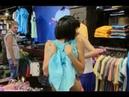 Обмениваются бельем у всех на глазах Розыгрыш в магазине одежды