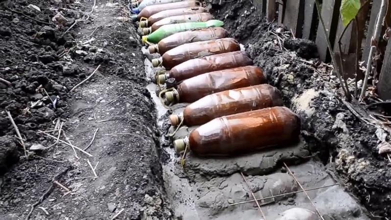 Фундамент Своими руками из Пластиковых бутылок. Стены из земли. Песок в бутылках. Начало начал.