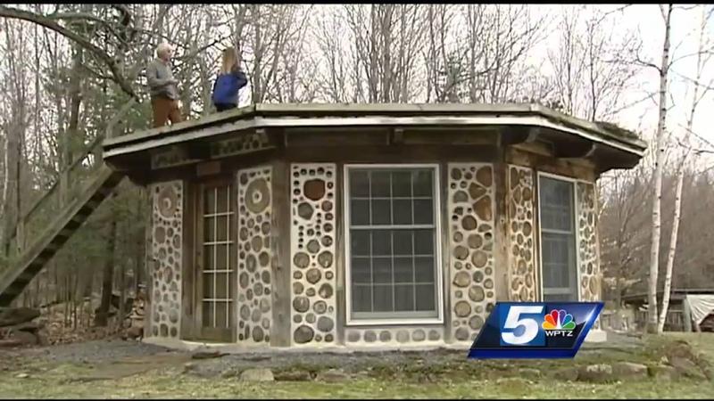 Earthwood Building School teaches cordwood masonry