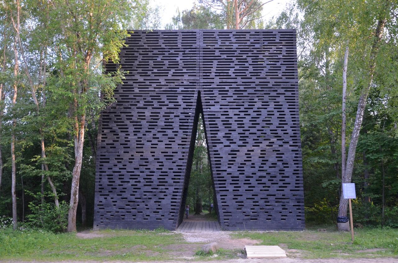 cdVIVJCreIM Никола-Ленивец арт-парк в Калужской области.
