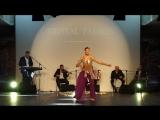 Мужской восточный танец живота. Танцует принц мужеского животного танец Кайембер HD.mp4