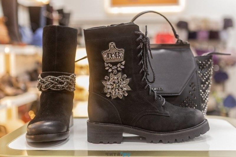 64e2ae8b4 С Салон обуви Vitacci в Чите запустил грандиозную распродажу осенней и  зимней коллекции обуви, туфель и сумок со скидками до 50%, рассказал  корреспонденту ...