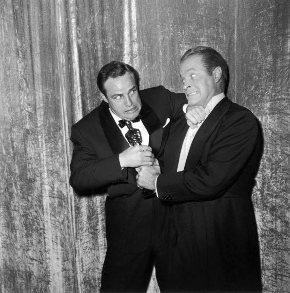 Марлон Брандо и Боб Хоуп в битве за дядюшку Оскара
