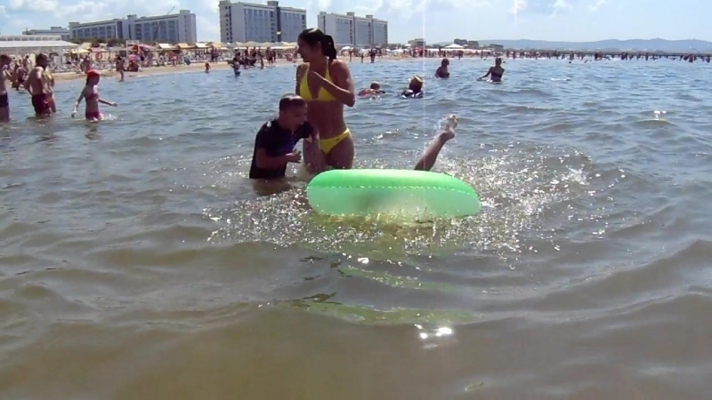 Пляж Джемете, плескаемся