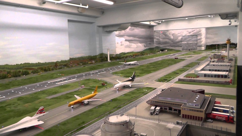The longest video of the biggest HO scale airport in the world, HH, 1417 JAN 2014,