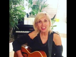 Алёна Свиридова - приглашение на концерт в бар