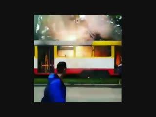 Трамвай замкнуло nhfvdfq pfvryekj
