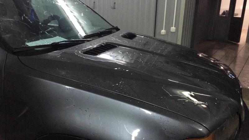 Мойка BMW x5 . Обработка всего автомобиля КАТИОНОВЫМ шампунем Shine Systems CATIONIC Shampoo.