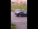 ЖК Цветы: девушка выезжает с паркови, тараня машины - Регион-52