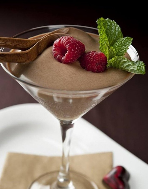 желе из какао это желе называют «мраморным» за его оригинальную консистенцию, молочный кофейный цвет и рисунок из узоров, который получается при смешивании двух главных компонентов. ингредиенты желатин — 30 г сметана от 15% — 400 мл мед — 3 ст. л.