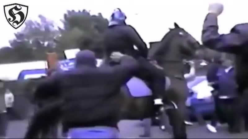 Millwall Hooligans vs Police _ Millwall v Nottingham Forest 2001