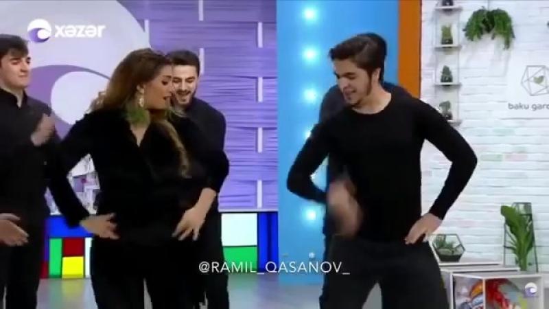 Ramil Qasanov Oyan Azerbaycan Verlisinin Aparicisi ile Mohtesem reqsi Fira Jalil
