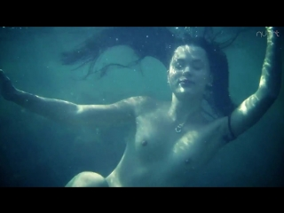 Alina - On the hook